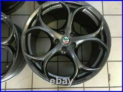 Jantes en Alliage Wheels 19 Original Alfa Romeo Giulia Qv 156112959 156112958